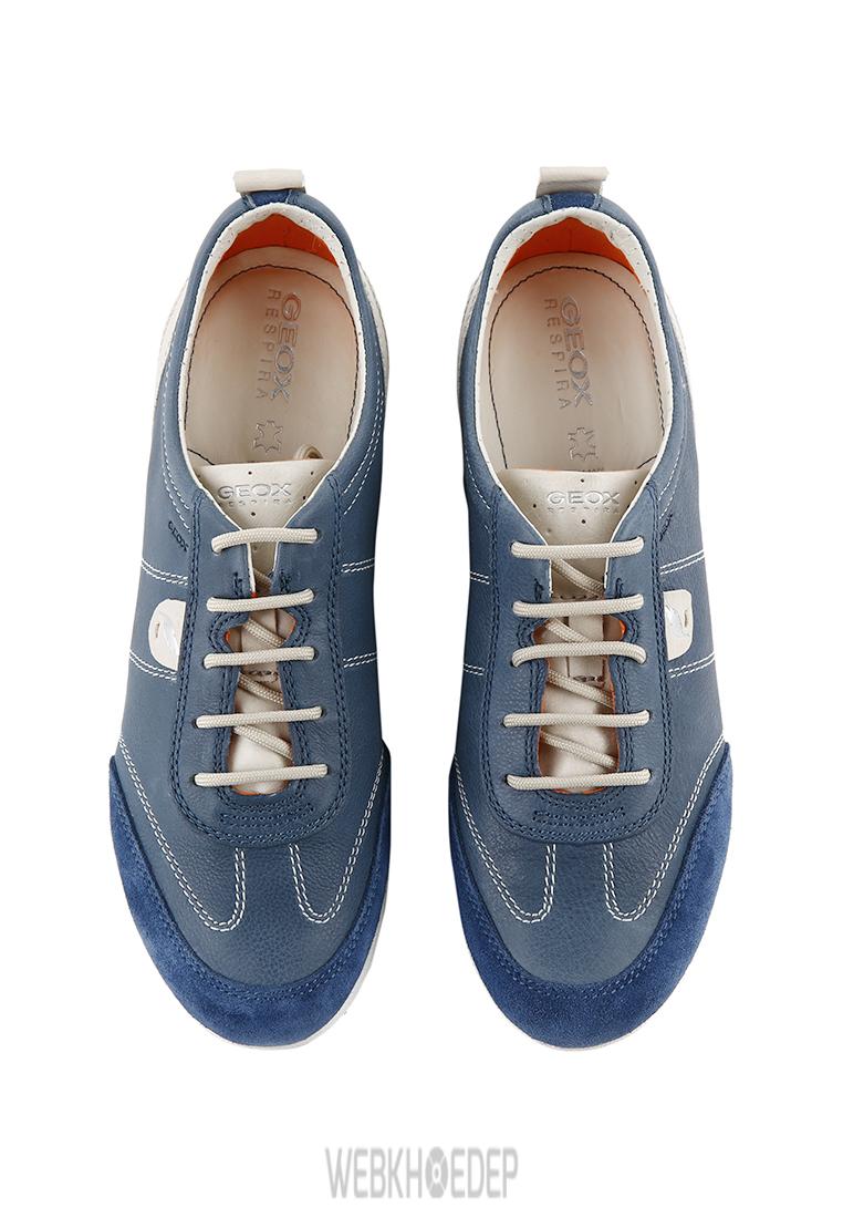 """10 mẫu sneaker """"đáng đầu tư"""" cho bạn gái dịp 8/3 - Hình 4"""