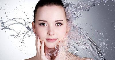 12 cách chăm sóc da ngày Tết không bị khô, nổi mụn, xỉn màu, thô ráp