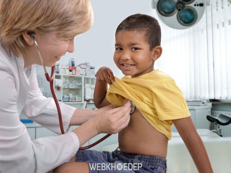 Kiểm tra hạch bạch huyết cho trẻ