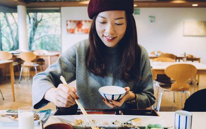 Tập trung khi ăn là một phương pháp giúp giảm cân hiệu quả