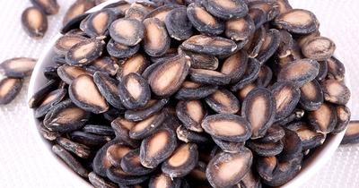 19 tác dụng của hạt dưa hấu cho da đẹp, tóc bồng bềnh, sức khỏe tốt