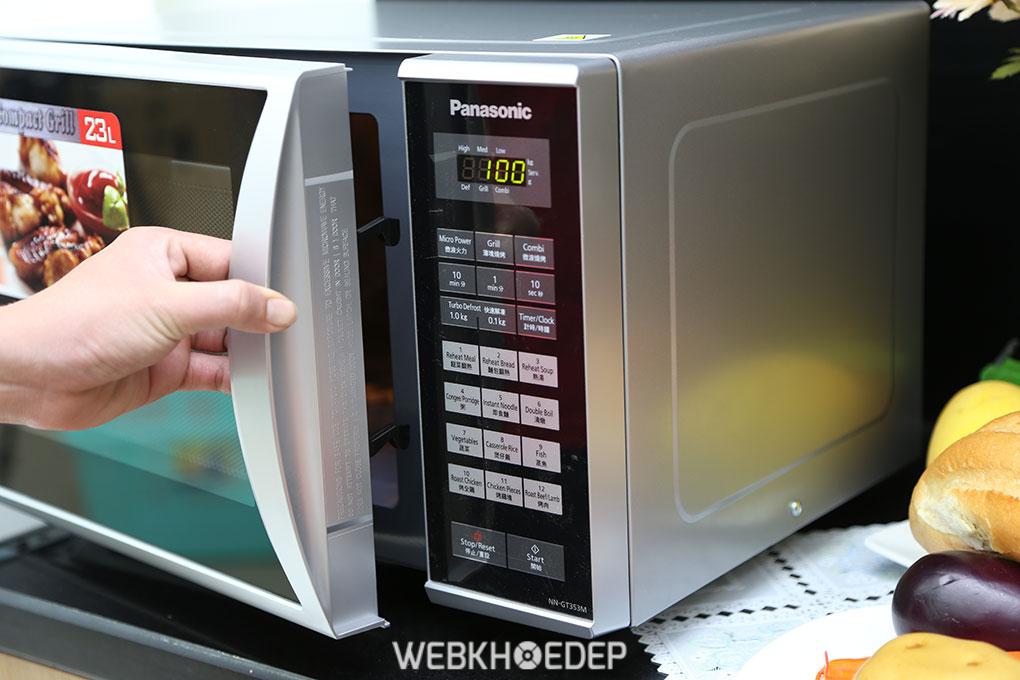Cho bánh gan vào lò vi sóng ở nhiệt độ 175°C cho đến khi chín