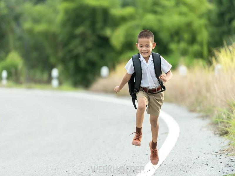 Vận động giúp trẻ khỏe mạnh hơn