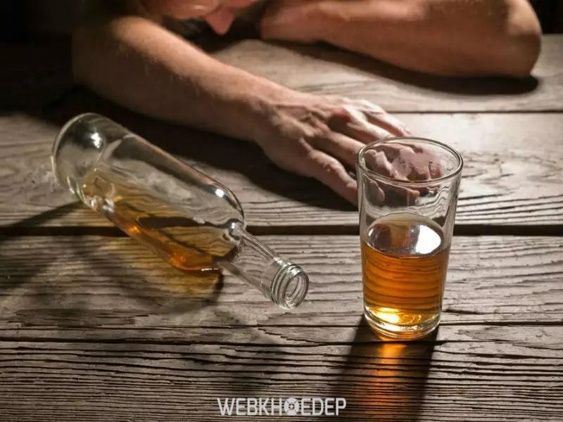 Không nên sử dụng rượu bia thuốc lá