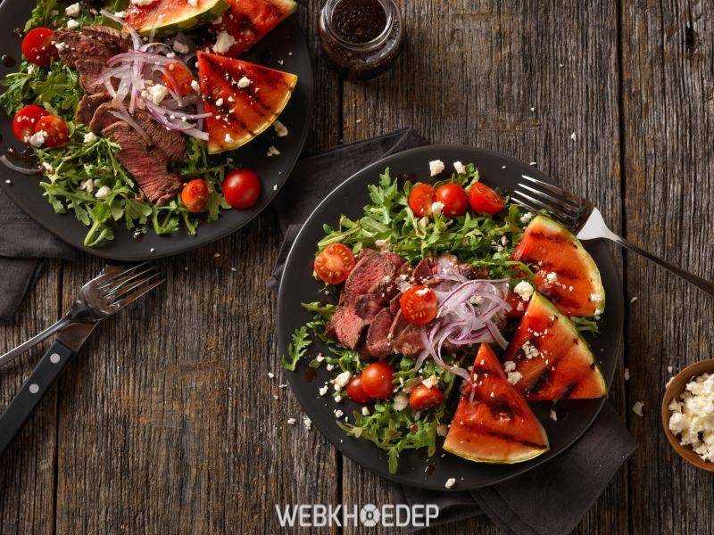 Thịt bò nướng khi dùng lò nướng có thịt chín đều, gia vị hòa lẫn rất ngon