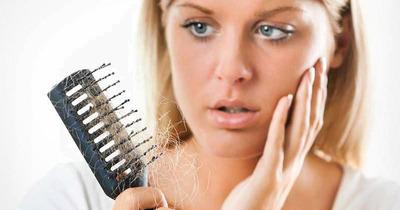 3 nguyên nhân rụng tóc sau sinh và 5 cách trị an toàn hiệu quả nhất