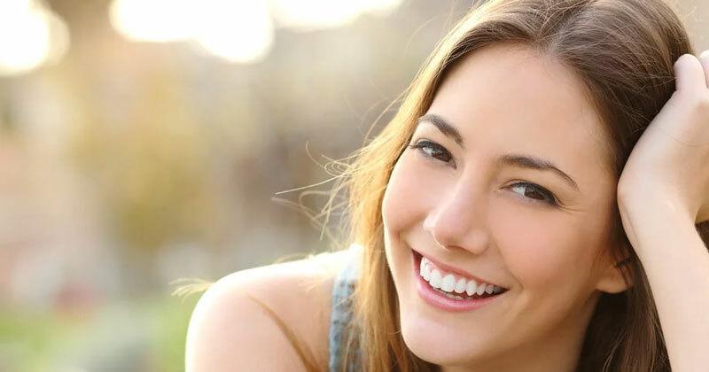 5 mẹo trang điểm giúp hàm răng trắng sáng hơn