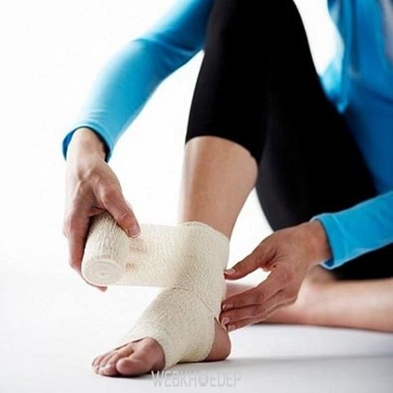 7 cách bảo vệ bàn chân ngày mưa - Hình 3