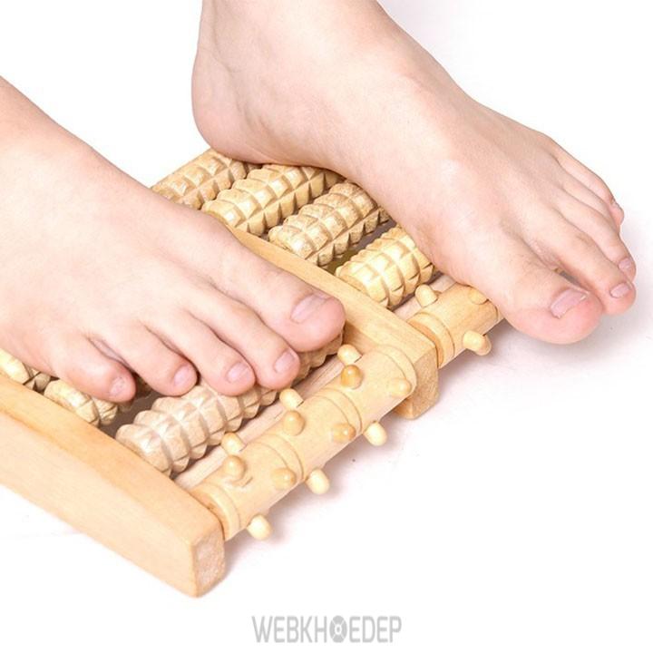 Tác dụng massage chân bằng gỗ