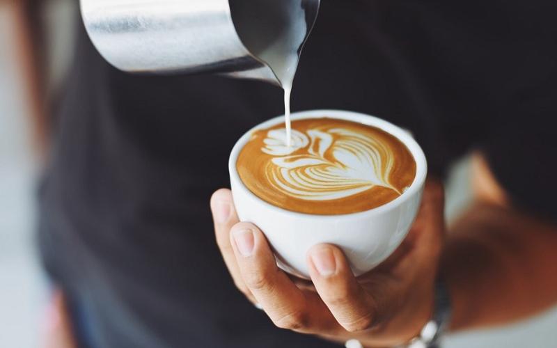 Không nên sử dụng kem tươi với cà phê
