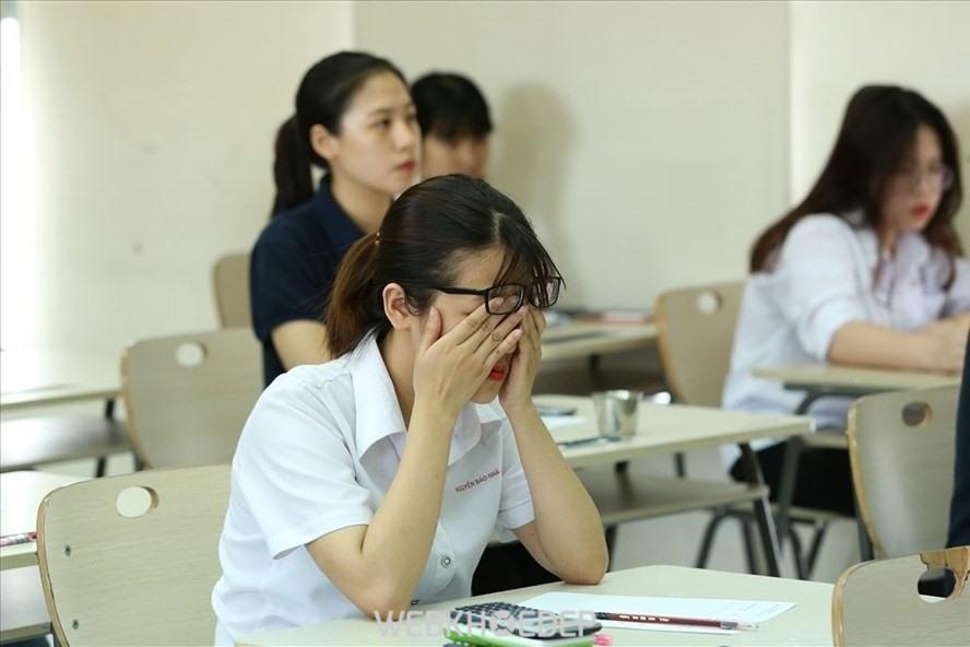Áp lực thi cử ngày càng trở nên nặng nề khiến các bạn học sinh, sinh viên vô cùng mệt mỏi, căng thẳng