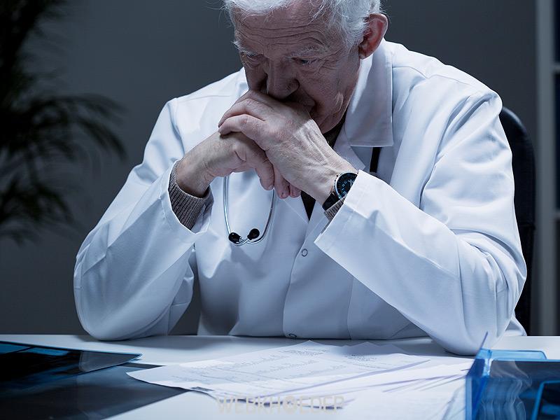 Dùng thuốc điều trị là biện pháp sau cùng nếu việc trị liệu tâm lý không thành công