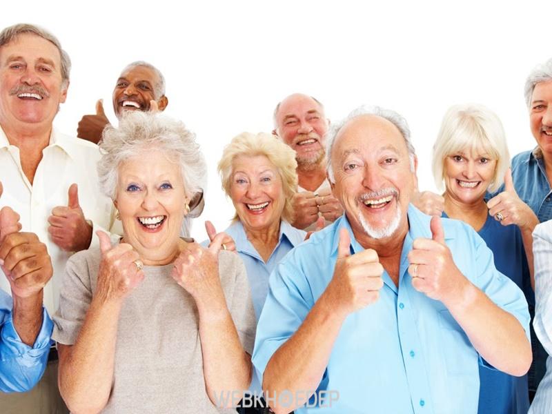 Người cao tuổi bị trầm cảm luôn cần sự động viên của những người xung quanh