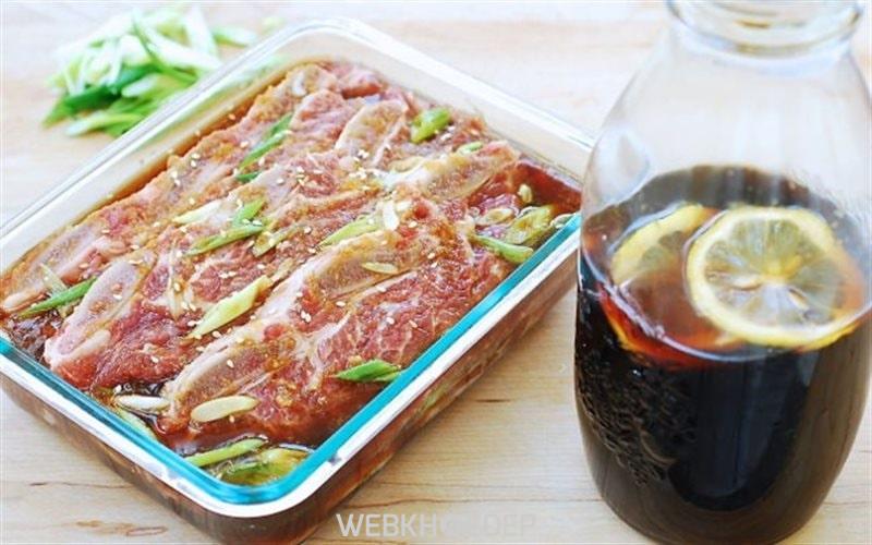 Ướp thịt để nướng cũng rất quan trọng để có được món ăn ngon