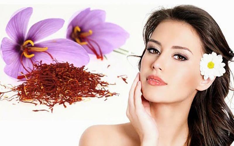 Saffron dùng điều trị và dùng để dưỡng da mỗi ngày.