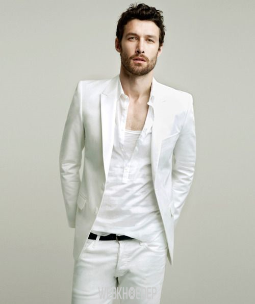 Cách phối đồ với quần jeans trắng cho phái mạnh - Hình 3