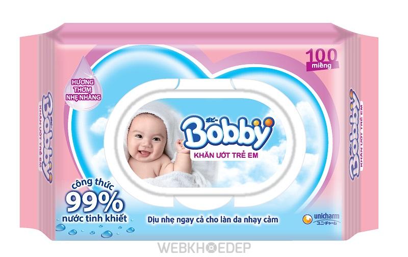 Khăn giấy ướt cho bé