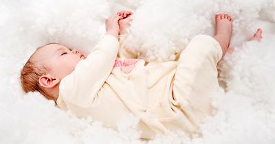 Có nên dùng đèn sưởi cho trẻ sơ sinh để giữ ấm và phòng bệnh hô hấp