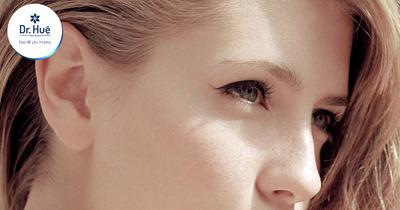 Da mặt chỗ trắng chỗ đen: Nguyên nhân và cách điều trị