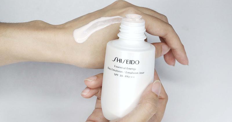 Đánh giá kem dưỡng ẩm Shiseido Essential Energy có tốt không, giá bao nhiêu