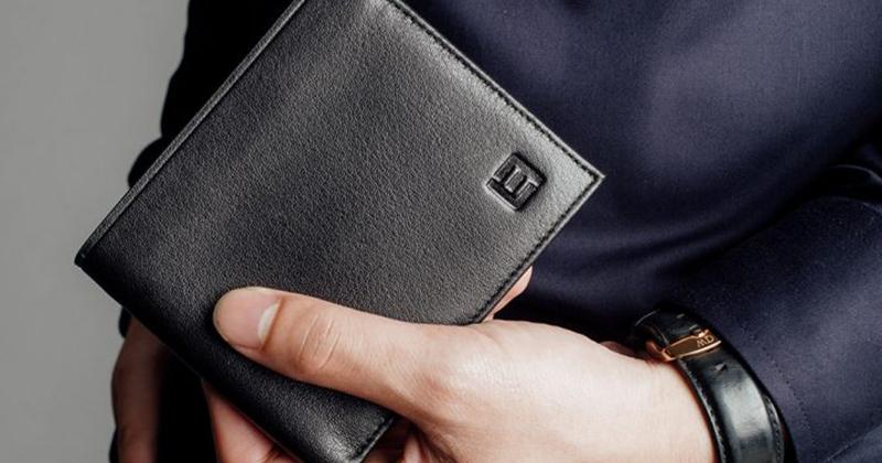Giúp chàng lựa chọn một chiếc ví da phù hợp
