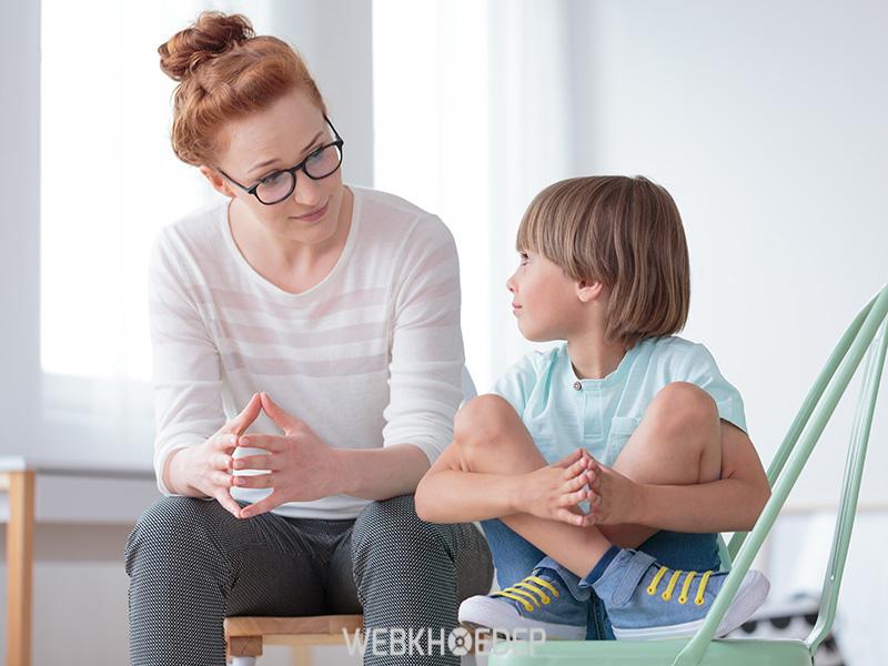 Trò chuyện với trẻ vừa nắm bắt được tâm lý vừa làm trẻ cảm thấy dễ chịu hơn