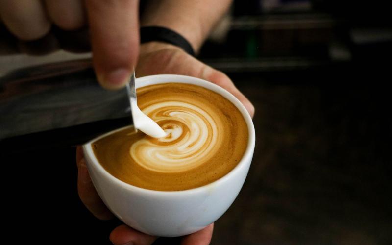 Có thể được uống cafe sữa khi cho con bú không?