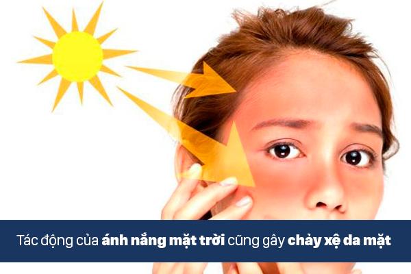 Ánh nắng mặt trời cũng là nguyên nhân làm da mặt chảy xệ