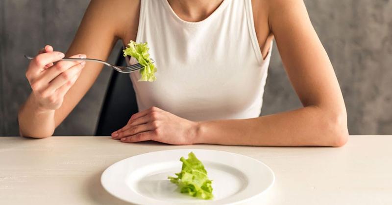 Rối loạn ăn uống là gì, dấu hiệu, nguyên nhân, tác hại, cách điều trị