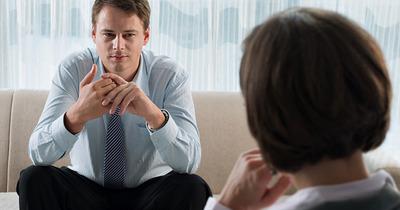 Rối loạn nhân cách hoang tưởng là gì, triệu chứng, cách điều trị