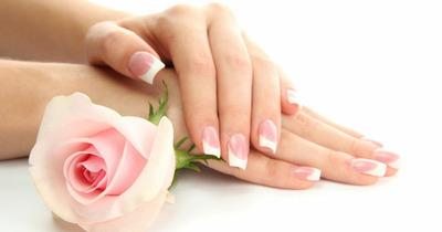 Sơn móng tay kiểu Pháp: Đơn giản, tinh tế và sang trọng