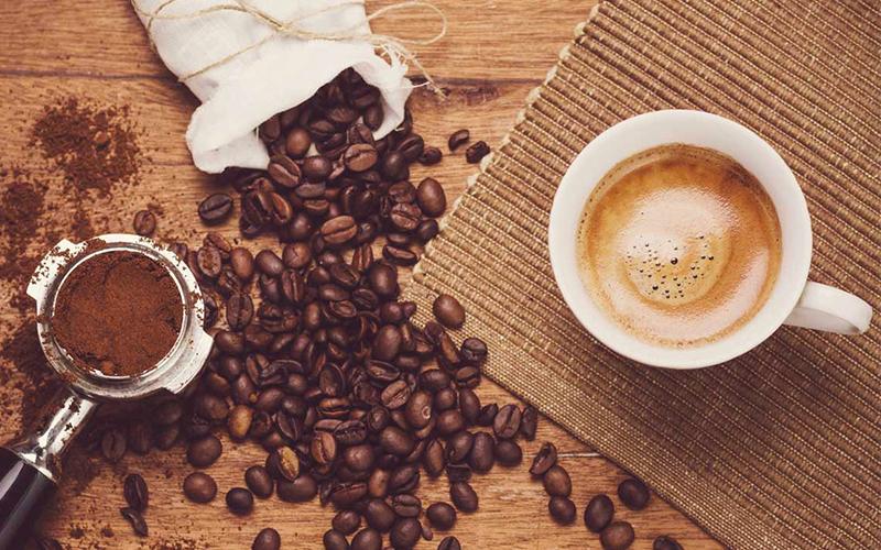 Vì sao cà phê lại dễ quyến rũ và gây nghiện