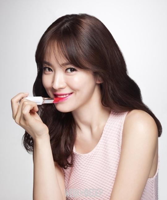 """Trang điểm tự nhiên giống Song Hye Kyo trong phim """"Hậu duệ mặt trời"""" - Hình 2"""