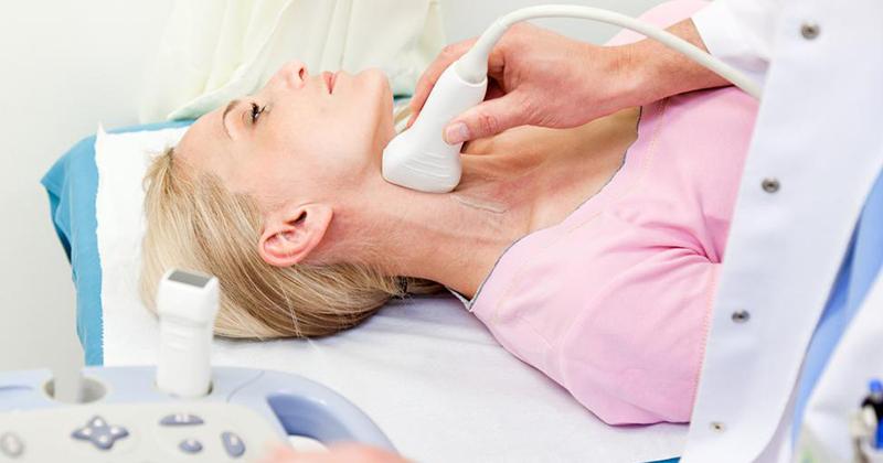 Ung thư tuyến giáp thể tủy là gì, dấu hiệu, chẩn đoán, cách điều trị